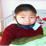 帮13岁血癌少年重回校园