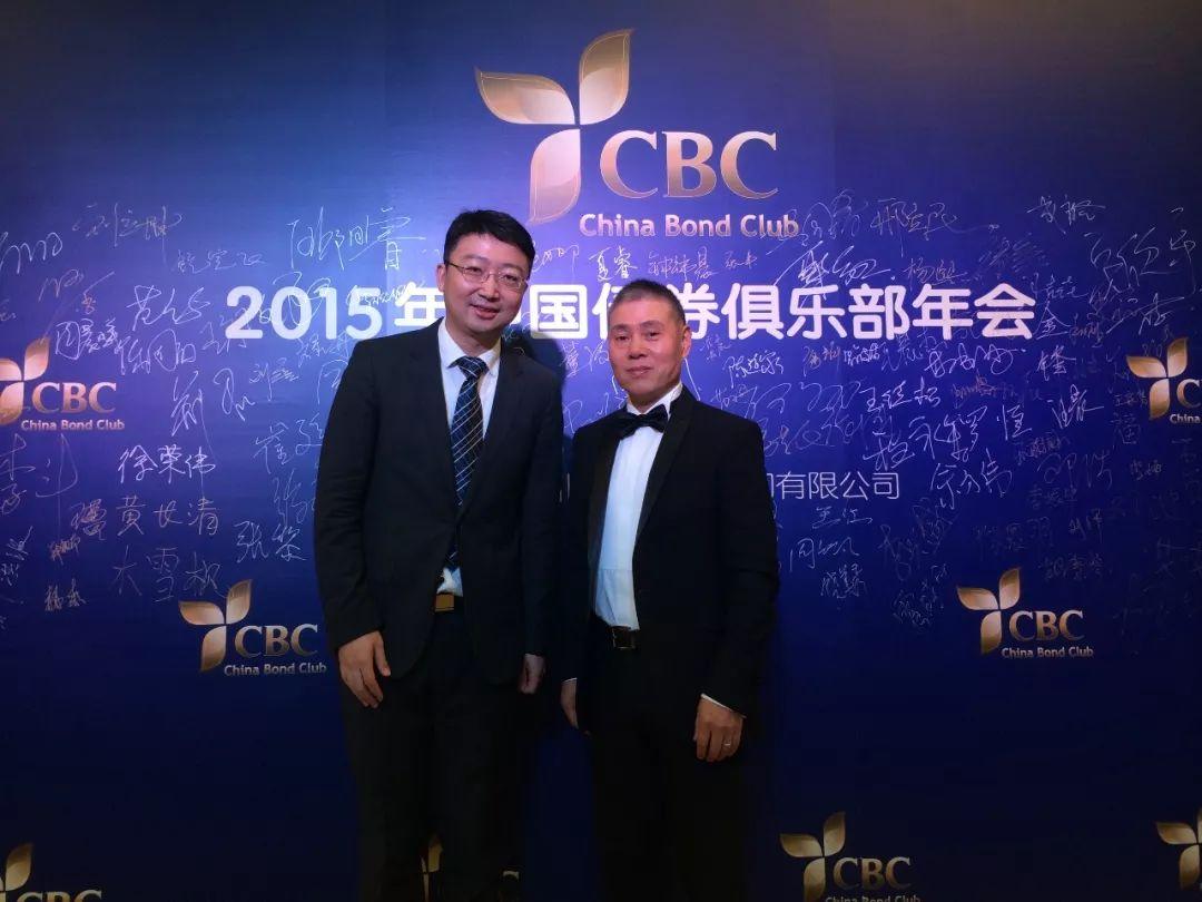 两次30分钟的见面,达成100万的捐赠,成立北京新阳光慈善基金会