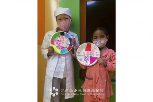 医院里的彩虹独角兽,病房中的缤纷世界