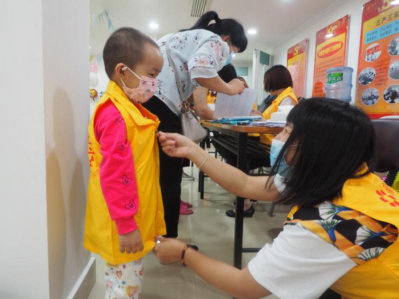 """病房有阳光 广州首家""""新阳光病房学校""""成立"""