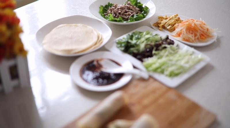 香柏树营养美食视频第19期--肉菜小卷饼